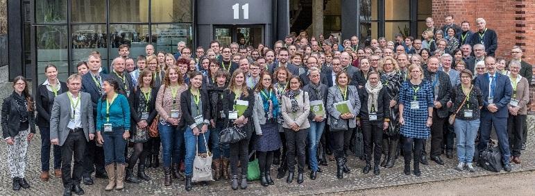 Zweites Symposium: Teilnehmende